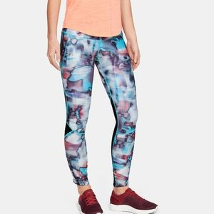 Under Armour Fly Fast Printed Tights size small. Compression, heat gear.